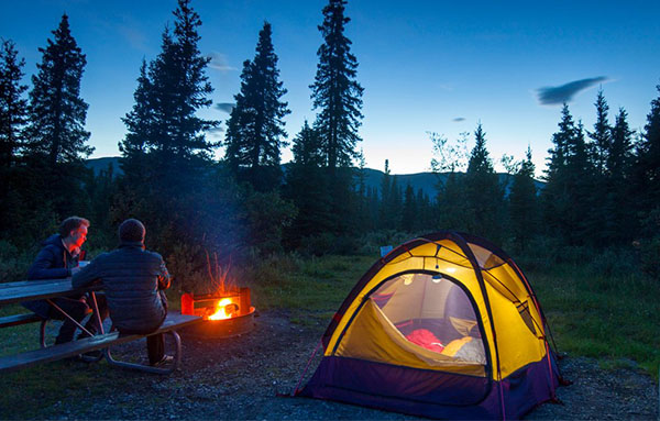 Things to Pack When You Go Extreme Camping