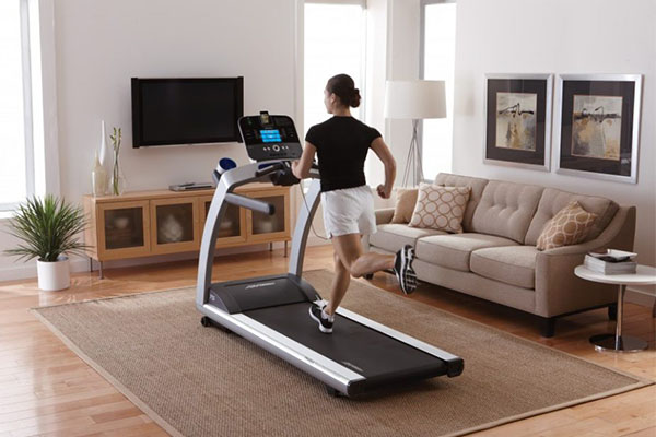 Tips To Help You Survive Those First Few Days of Your Treadmill Challenge