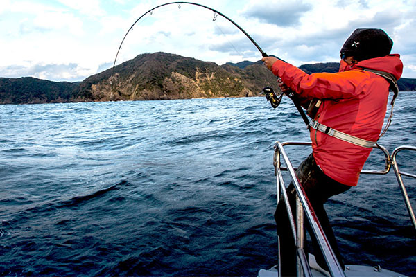 Survive Those Hot and Sunny Fishing Expeditions with These Tips